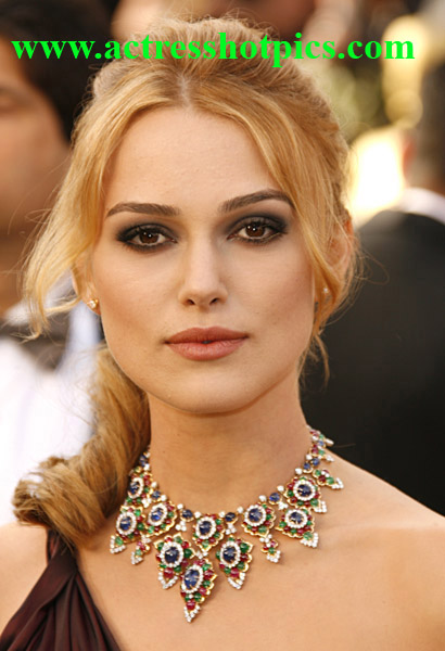 http://ravinderpics.files.wordpress.com/2010/06/beautiful-hollywood-actress-keira-knightley.jpg