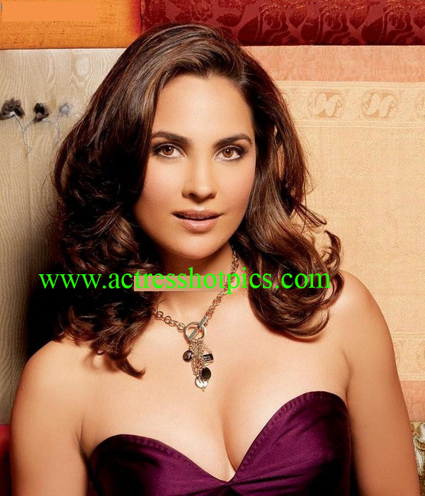 Bollywood Actress Lara Dutta,Lara Dutta exposing Pictures,Tollywood heroine