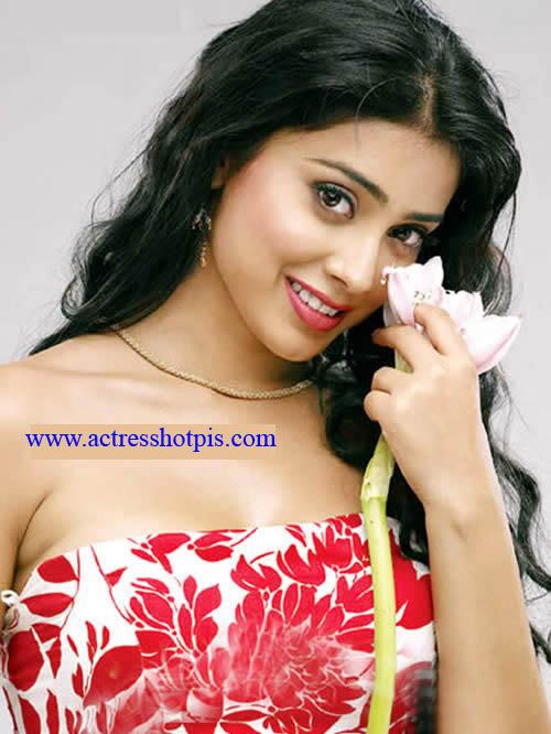 Heroine Shriya Saran cute sexy Pics,Actress Shriya Saran sexy hot Pics.